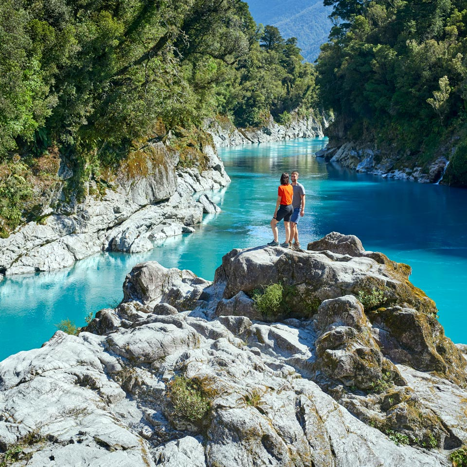 Photo credit (Fraser Clements). Location displayed (Hokitika Gorge).