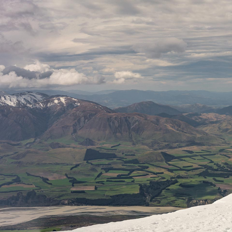Photo credit (Julian Apse). Location displayed (Mt. Hutt).
