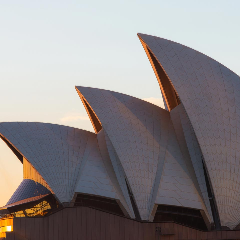 Location displayed (Sydney Opera House).